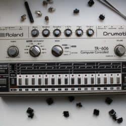 Roland TR 606